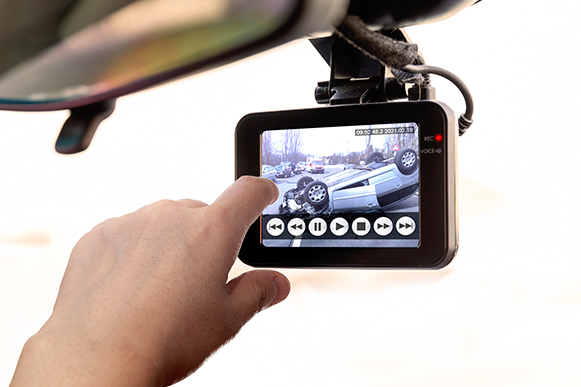 Dashboard Cameras: Why They're Worth It And How To Choose The Best One