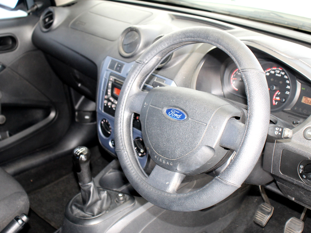 FORD 1.4 AMBIENTE Cape Town 8332430
