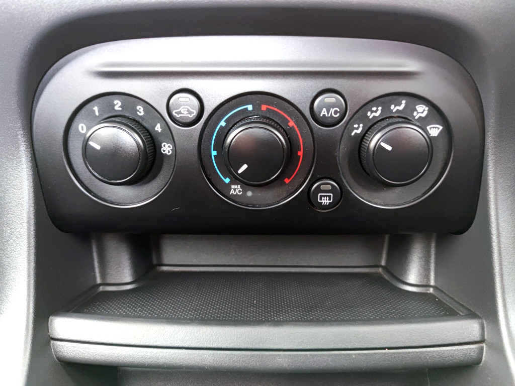 FORD 1.5Ti VCT AMBIENTE (5DR) Centurion 11335354