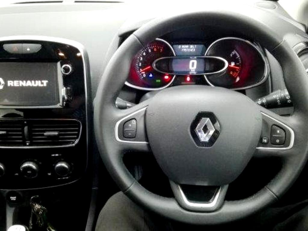 2017 Clio ph2 Expression 66kW Turbo