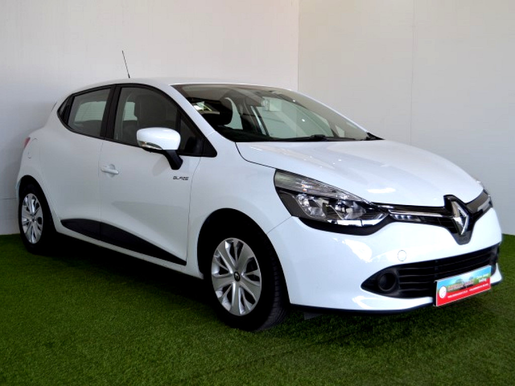 2016 renault clio 4 0 9 blaze limited edition turbo at imperial select somerset west. Black Bedroom Furniture Sets. Home Design Ideas