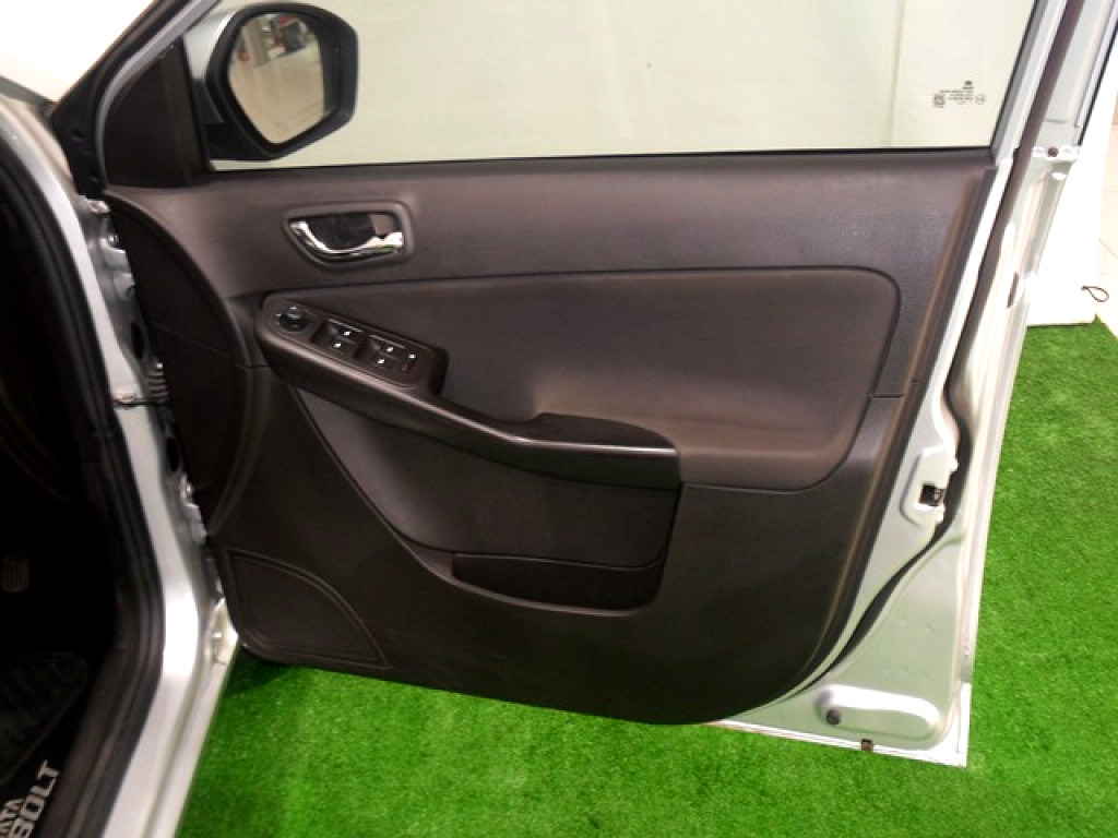 2016 TATA BOLT 1.2 XT 4‑DOOR
