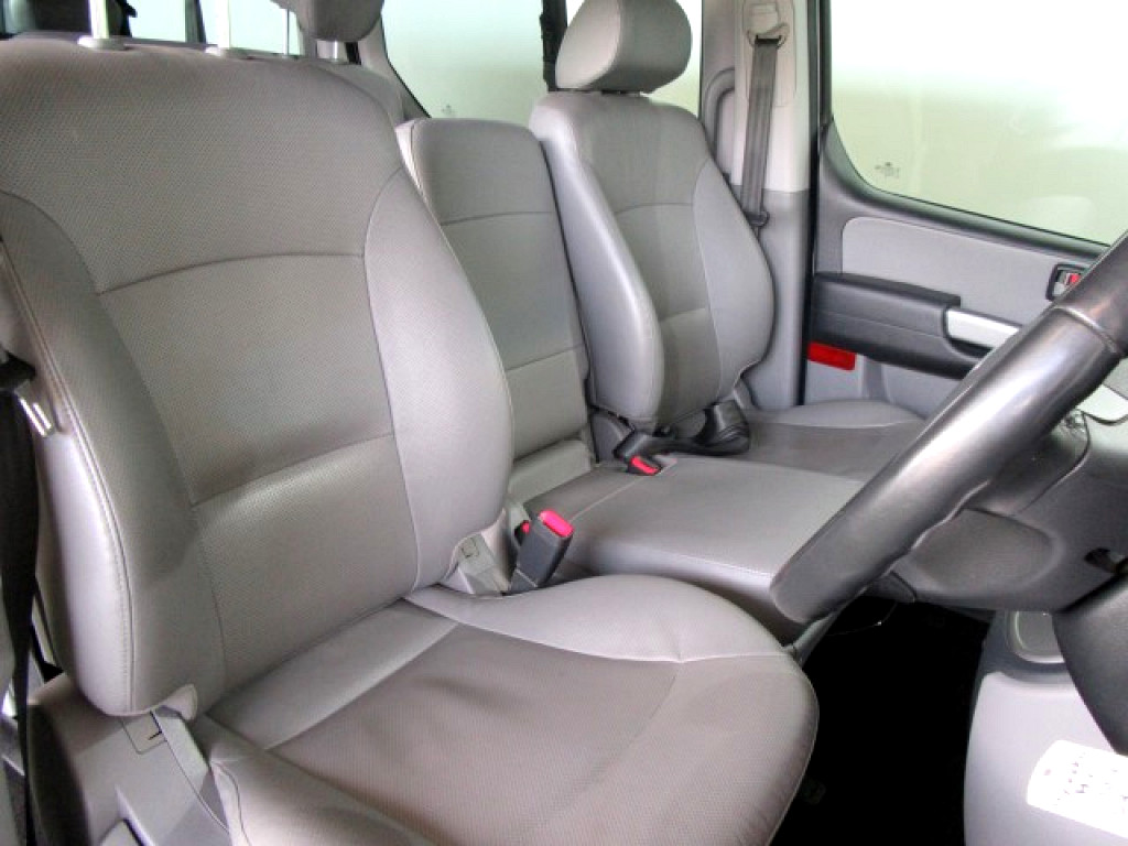 2016 HYUNDAI H1 MY15 2.5 VGTi 9‑SEATER BUS AUTOMATIC