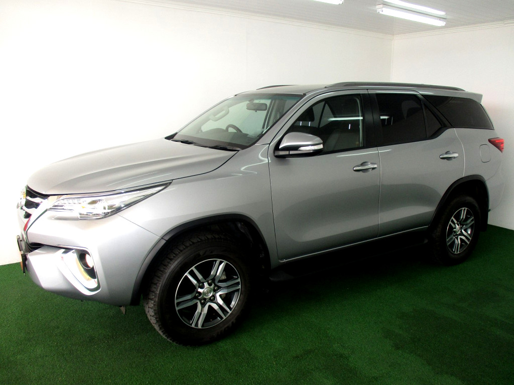 2016 TOYOTA FORTUNER 2.8GD‑6 R/B A/T