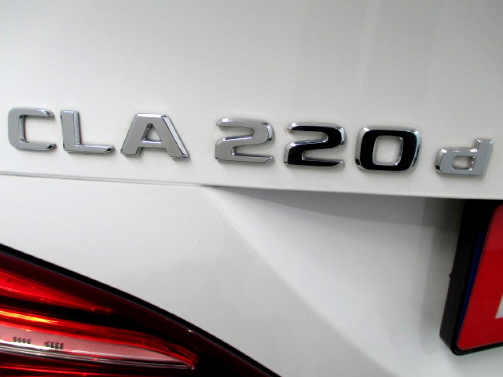 2017 MERCEDES CLA CLA220d A/T