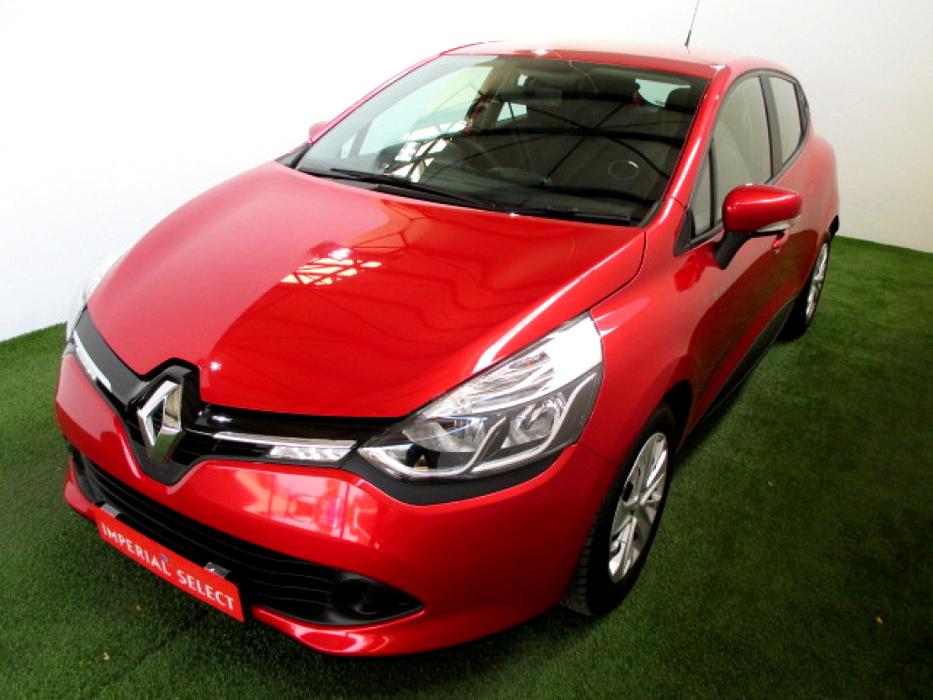 2016 renault clio 4 0 8 blaze limited edition turbo at imperial select west rand. Black Bedroom Furniture Sets. Home Design Ideas