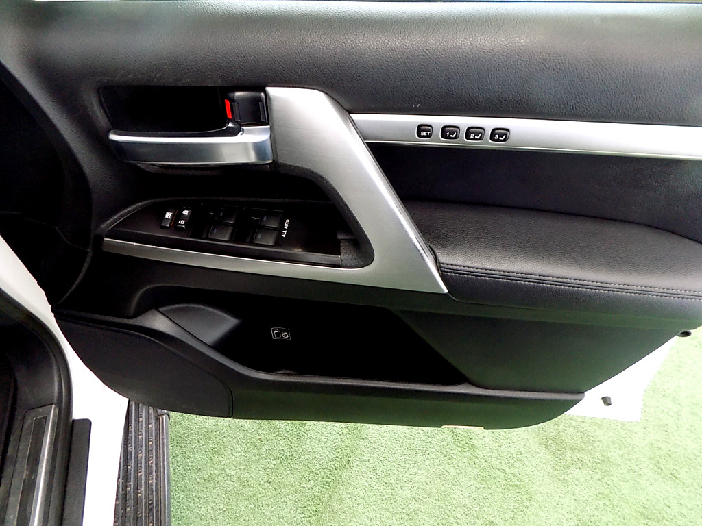 2016 Toyota Land Cruiser V8 4.6 VX A/T