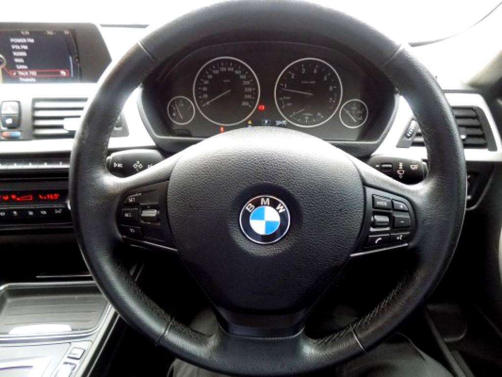 2013 BMW 320i A/T