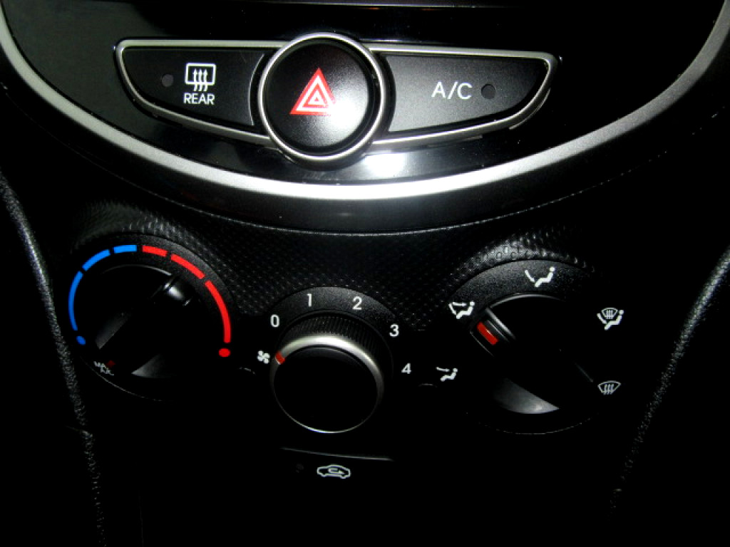 2016 ACCENT 1.6 MOTION MANUAL