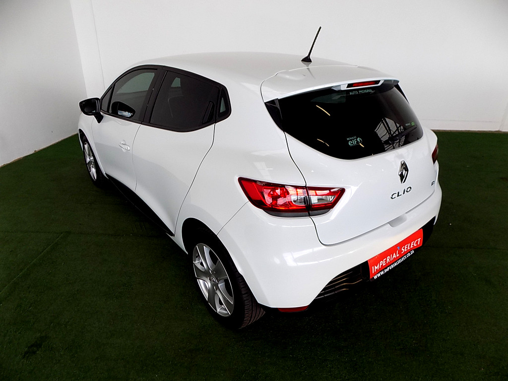 2015 clio 4 expression 66kw turbo at imperial select zambezi. Black Bedroom Furniture Sets. Home Design Ideas
