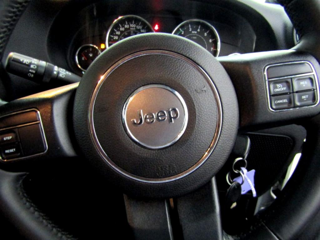 2014 JEEP Wrangler Sahara 3.6L V6 A/T 2SR