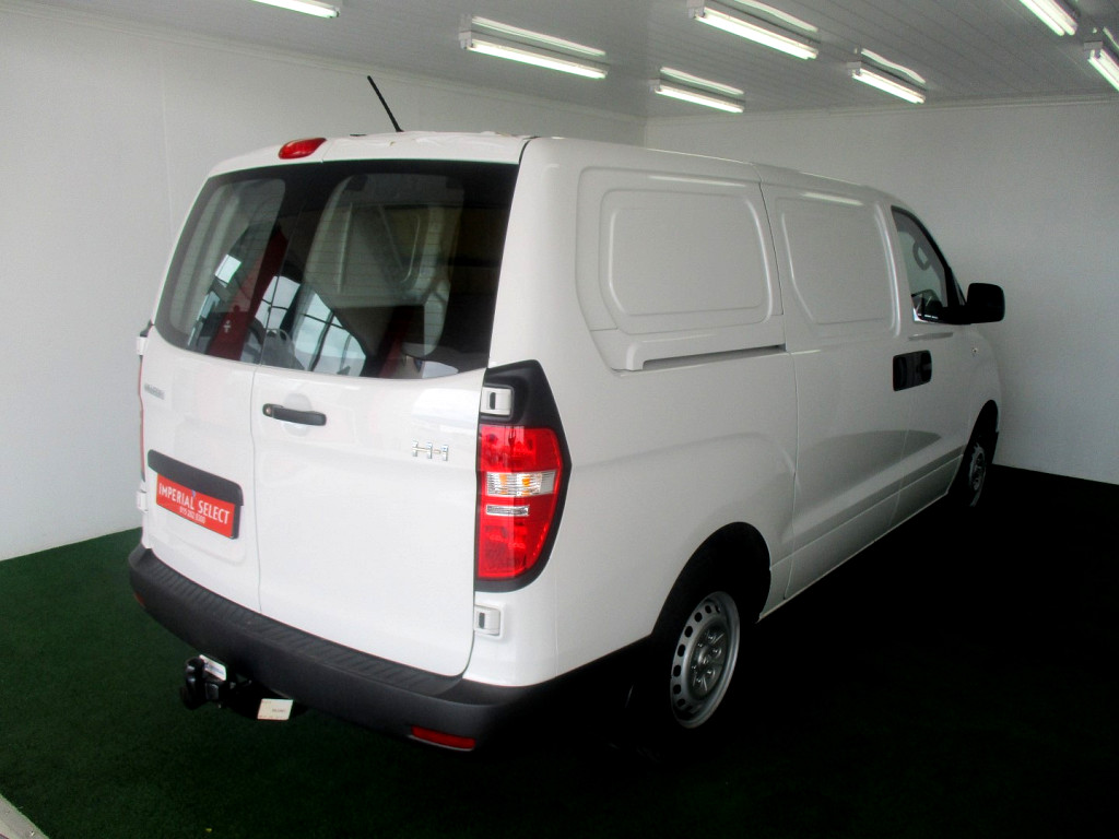 2018 H1 2.5 VGT 3 SEATER PANELVAN A/T
