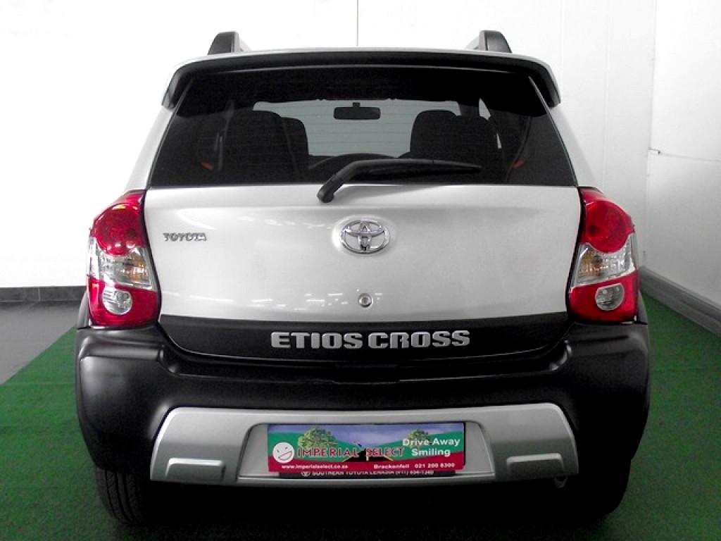 2014 TOYOTA ETIOS ETIOS CROSS 1.5 Xs 5Dr