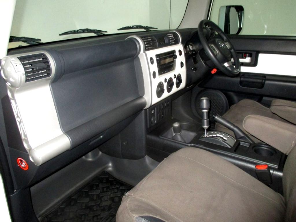 2011 TOYOTA FJ 4.0 V6 CRUISER