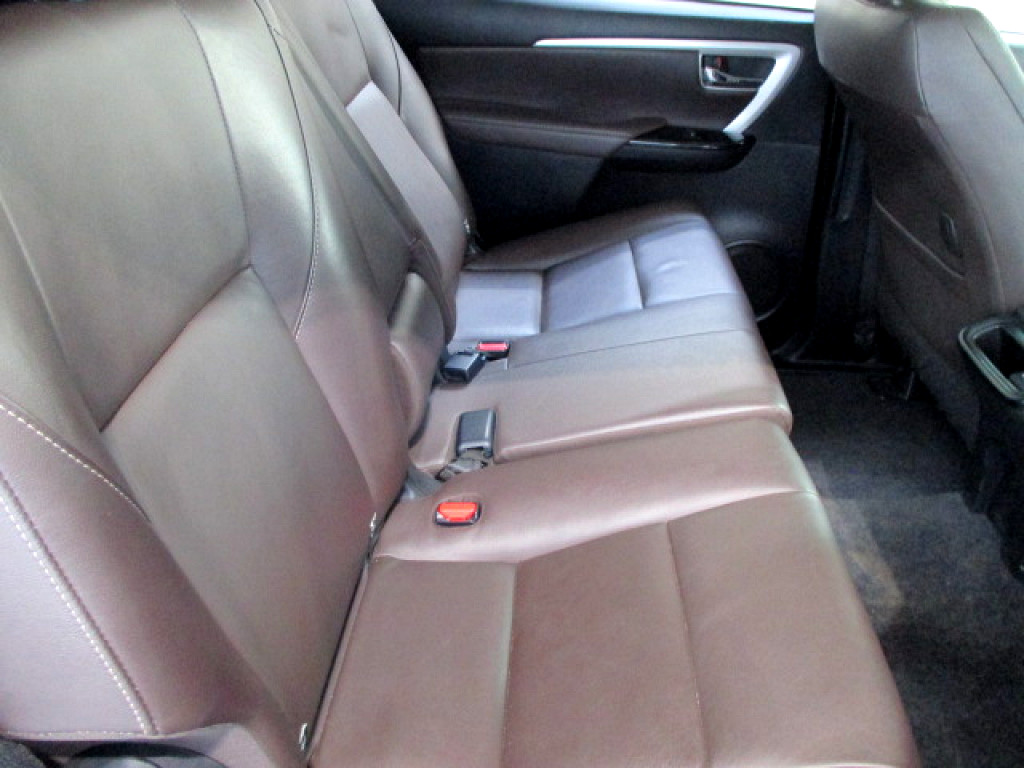 2017 TOYOTA FORTUNER 2.4 GD‑6 RAISED BODY AT
