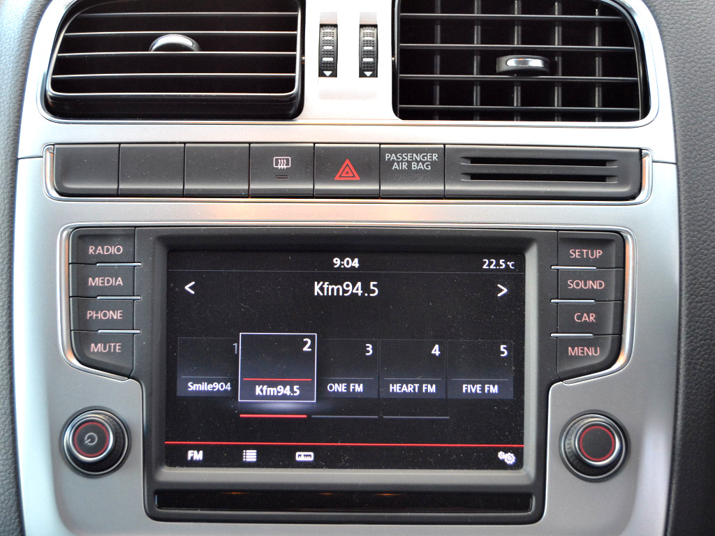 2015 vw polo cross 1 2 tsi with gesture radio mfs. Black Bedroom Furniture Sets. Home Design Ideas