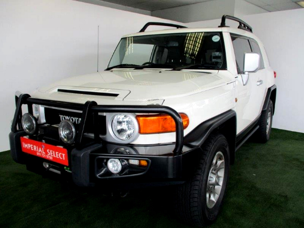 2013 TOYOTA FJ CRUISER 4.0 V6 4X4 AT WITH EXTRAS