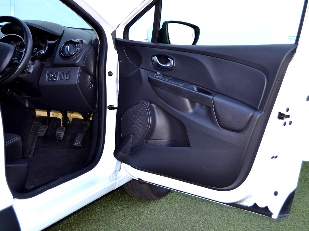 2016 Clio 4 66KW  900T Blaze Ltd Ed.