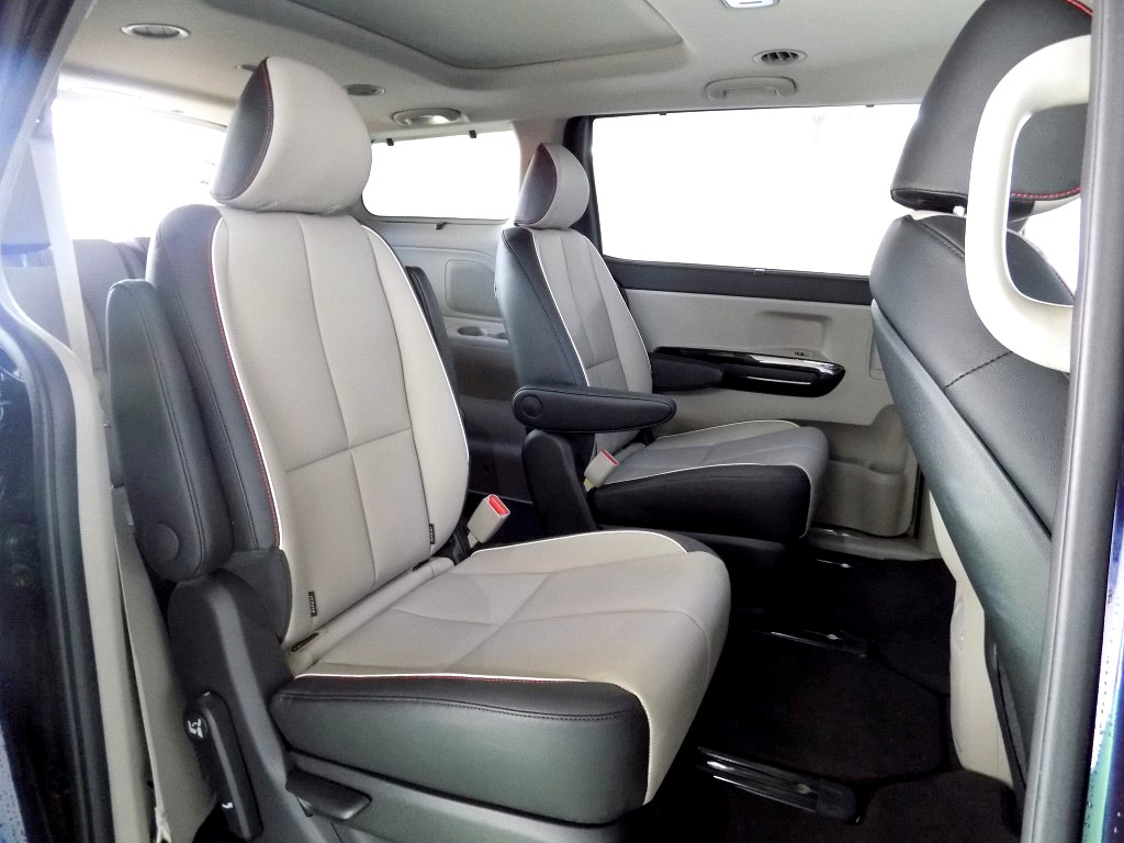 2019 SEDONA 2WD 2.2D AT 7SEATER SXL NAVI FREE LOYALTY CARD WITH GREAT BENEFITS