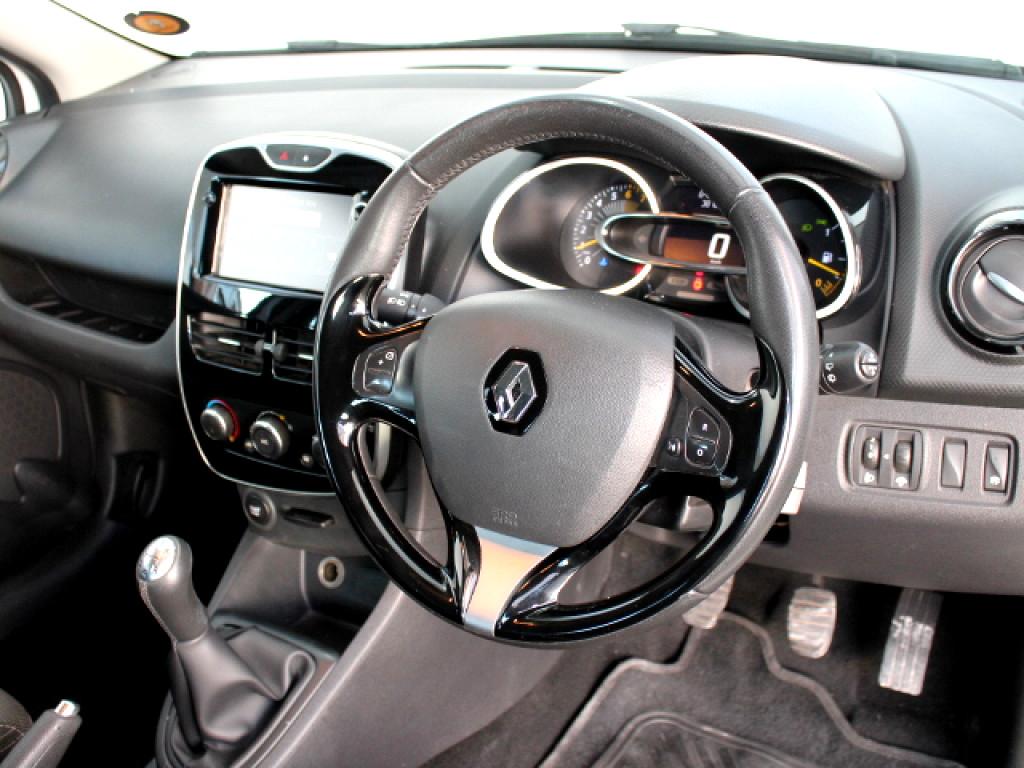 2016 Clio Expression 66kW Turbo