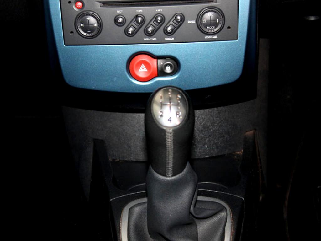 2009 RENAULT CLIO CLIO III 1.6 EXTREME 5Dr
