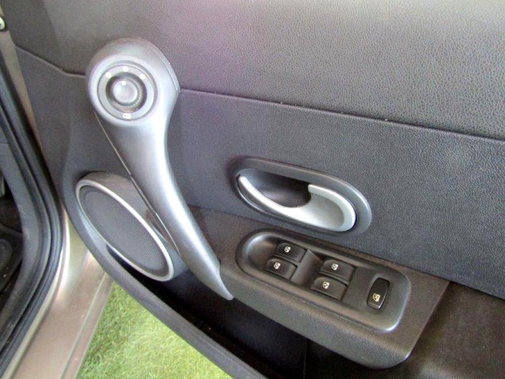 2010 CLIO III 1.6 DYNAMIQUE 5DR A/T