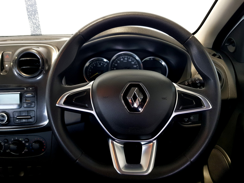 2018 RENAULT SANDERO PH2 EXP 66KW TURBO M/T