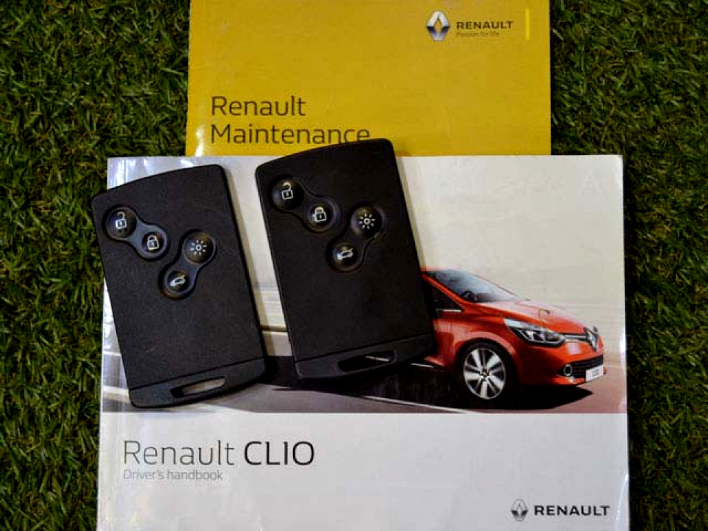 2016 RENAULT CLIO 900T BLAZE LTD EDITION 5DR (66KW)