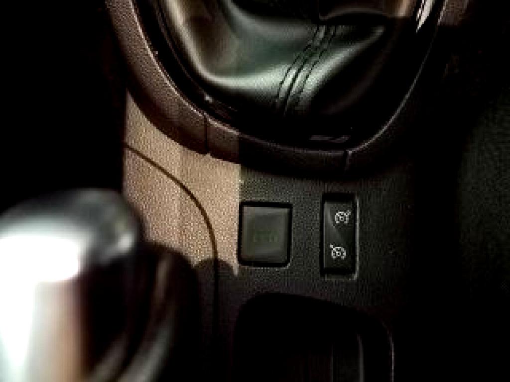 2018 RENAULT CLIO CLIO IV 900 T DYNAMIQUE 5DR (66KW)