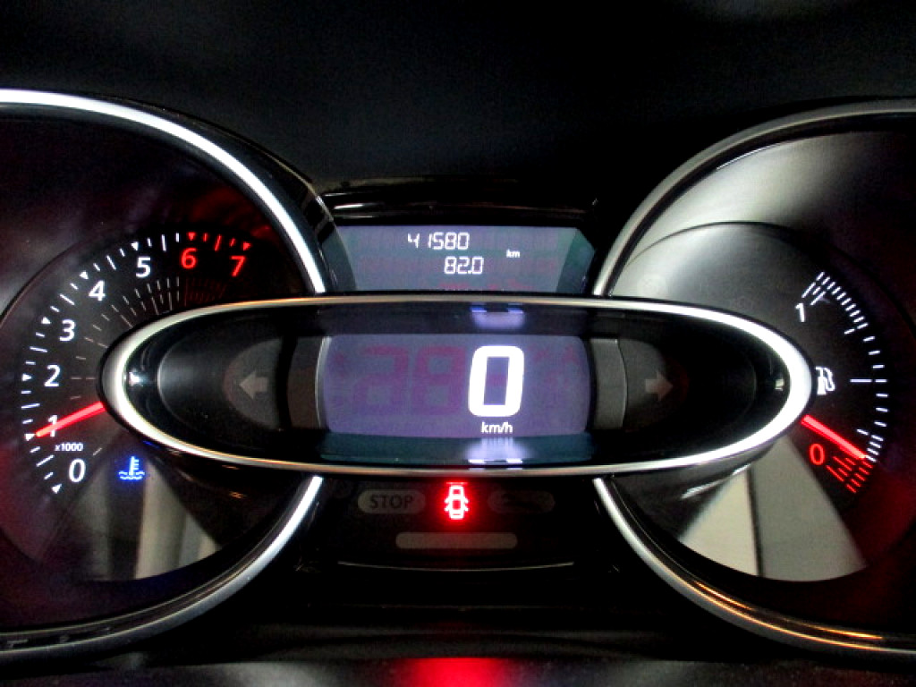 2018 RENAULT CLIO CLIO IV 900T AUTHENTIQUE 5DR (66KW)